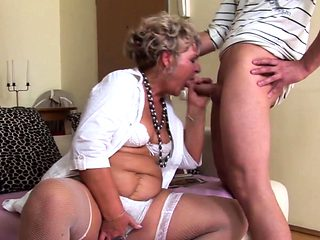 Mature chick wants a young cock