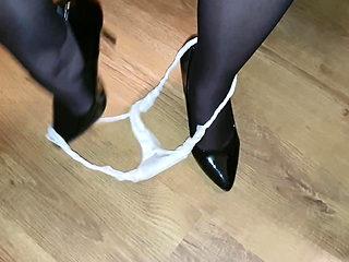 flashing my Creamie Vaginal Discharge Wet & Dirty Pantie aft