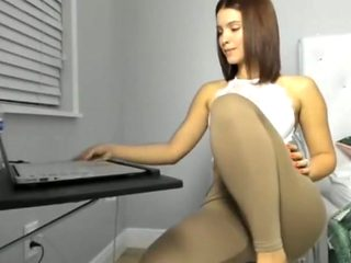 Great college girl in leggings great ass in leggings