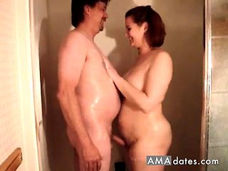 Mature Amateur Shower Fun