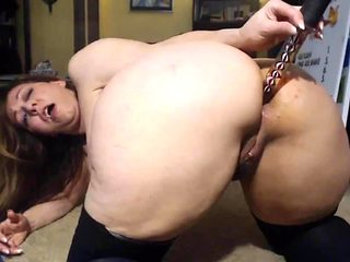 Classy MILF Brigitt with amazing curves and sexy accent