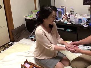Jiken_kakkōrudo_jukujo_wakamono_01