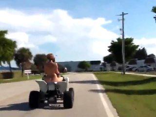 Nude on wheels