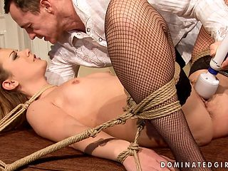 Redhead porn diva gets the mouth fuck of her dreams with horny bang buddy
