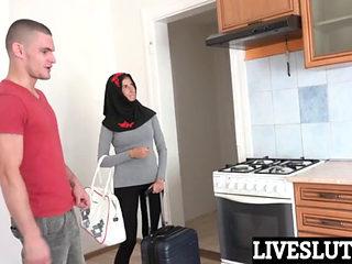 Muslim Girl Is Having Sex At Home