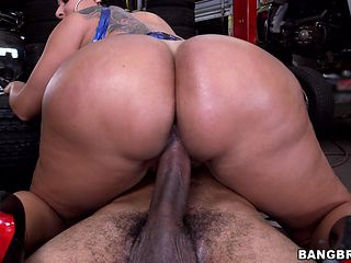 big fat ass whore works it hard for cum